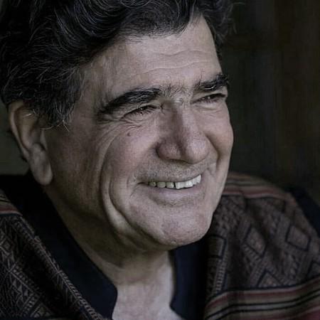 شب گذشته محمدرضا شجریان در بیمارستان بستری شد.