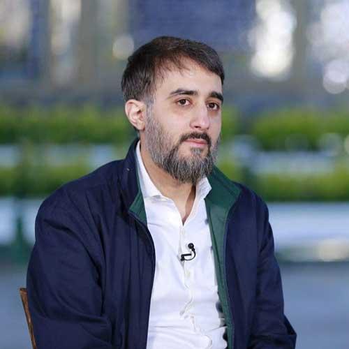 دانلود مداحی محمد حسین پویانفر به نام من همونم همیشه از خودم فراری